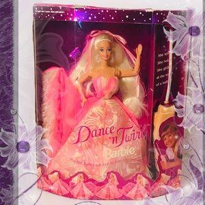 Dance N Twirl Barbie 1994